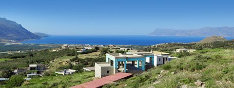 A 3 bedroom villa in Fournado development, with a stunning sea view of the Cretan shores and the surrounding mountains. The property is designed in traditional Cretan style and offers ample parking. Communal facilities such as a swimming pool are som...