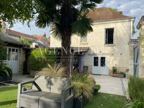 Beautiful house of character in Touraine, restored on 345m2. Well located close to amenities. Dependencies. Vaulted cellar. Well. Spa. Garden closed without opposite. The whole on 345m2. & nbsp; The House of Character in Touraine includes: On the gro...