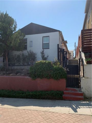 Excellent Investment Opportunity in a RARE 5 Unit Multifamily development in Historic Filipino Town. This property is surrounded by Westlake Village to the North, Rampart Village to the West, MacArthur Park to the South and the Walt Disney Concert Ha...