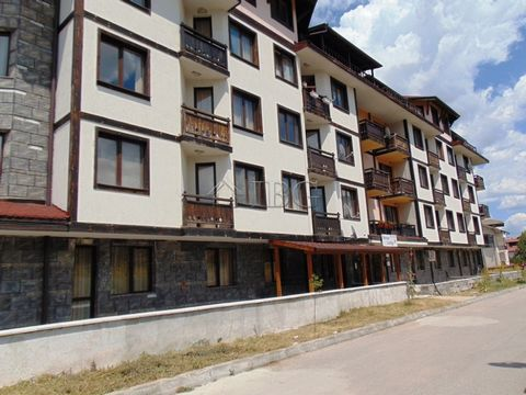 Blagoevgrad. Ground floor 1-bedroom apartment in Snow Lodge next to the lift, Bansko IBG Real Estates is pleased to offer this furnished 1-bedroom apartment with Ski-in Ski-out location in Bansko. The apartment is on the ground floor incomplex Mounta...