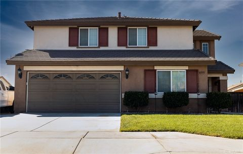 Wonderful opportunity to own this well-maintained 2-story home in West Hemet. This home is near shopping, parks, schools, dining, and much more. Home is 6 bedroom, 2.5 bathroom with a 2 car garage. The kitchen has been updated beautifully and ties in...