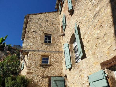 This exceptional property is located on a peaceful corner lot next to a quiet road in the exclusive area of the charming medieval village of Cordes-sur-Ciel (