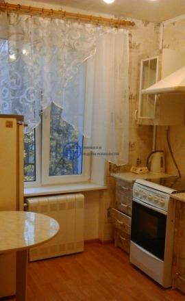 Дзержинский г, проезд Пушкина 1, 1 комн., общ. пл. 33, жил.пл. 19, комнаты 19, кухня 6, 3/5 этаж, окна улица, санузел совмещенный, балкон, евроремонт, Квартира чистая,после ремонта. Окна стекло пакет, балкон застеклен,металлическая дверь, мебель для ...