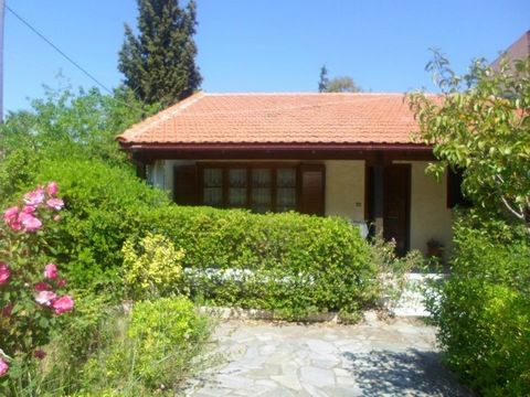 Detatched house (small villa) 87 sq.m., three bedrooms, large living room, two bathrooms, fully equipped (including dishes washing machine, electric kitchen, refrigerator, three air conditions and water heater), with a nice garden, lot size 600 sq.m....