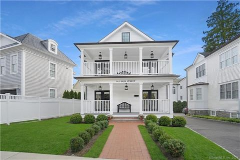 Recently renovated 4 bedroom colonial in the heart of downtown Greenwich. One block from Greenwich Ave for premiere shopping and dining. Pristine turn key home tastefully appointed. Open living spaces are beautifully designed for today's lifestyle. F...