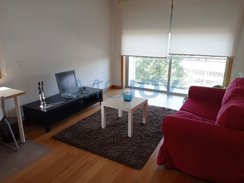 1 bedroom apartment in Paranhos, next to the hospital of S. João and the University Center. The apartment is furnished and equipped, consisting of living room with balcony, a full bathroom, kitchen equipped with refrigerator, oven, hob, extractor, di...