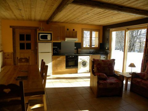 The Chalet La Poya is in the hamlet of Les Verneys, 2km from the centre of Valloire. The Verneys chair lift and the ski school are 500 m away and the chalet is also equidistant from Poya cross country ski trails. There is a free shuttle bus service w...
