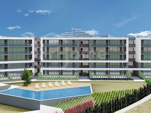 Amazing 2 bedroom apartment in a private condominium in Portimão. The apartments offer lots of natural light and excellent finishes, being an excellent opportunity for a living home or for investment purposes. The building consists of 59 beautiful ap...