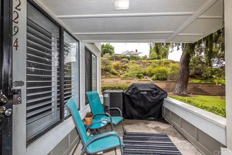 Lower level end-unit home offers an open spacious feel with upgraded kitchen, plenty of storage with pantry, granite counters, breakfast bar and open to the dining and living rooms. Main living spaces were just professionally painted and have wood fl...