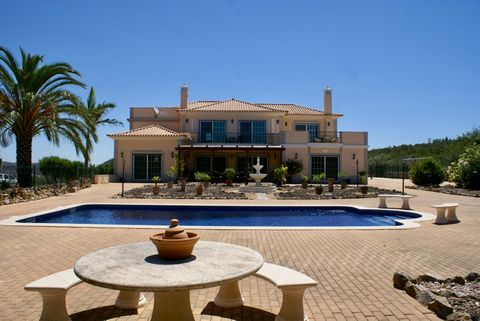 Located in Santo Estêvão. A stunning luxury T4 Villa with a panoramic countryside views , nestled on a hilltop, overlooking the Asecca Valley, entirely fenced, 144.441 m2 of land, peaceful oasis retreat with complete privacy on all fronts. This prope...