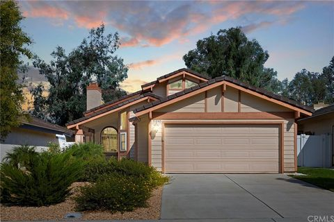 Charming 2 story home in prime Temecula location at the gateway to wine country. Offering low maintenance, drought tolerant landscaping, this lovingly cared for home features 4 bedrooms, 2 full baths and a 2 car garage with no rear neighbors on a sin...