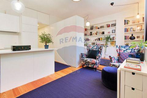 Descrição Apartamento para venda a 148000 EUR Escritório transformado numa habitação T0 com acabamentos irrepreensiveis. Esta utilização, HABITAÇÃO, está autorizada por todos os condóminos do prédio. Composto por hall de entrada, casa de banho comple...