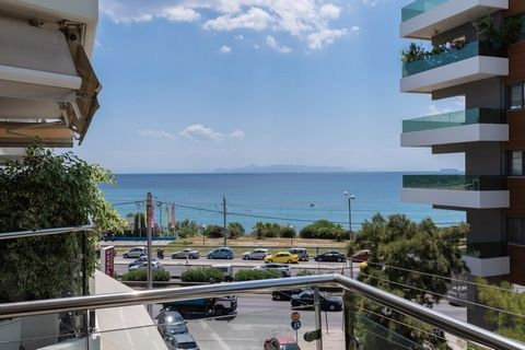 Alimos, Kalamaki, Apartment For Sale, 103 sq.m., Property Status: Good, Floor: 2nd, 1 Bedrooms (1 Master), 1 Kitchen(s), 1 Bathroom(s), 1 WC, Heating: Autonomous - Petrol, View: Sea view, Building Year: 2005, Energy Certificate: C, 1 parking(s), Floo...