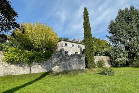 Special opportunity to acquire a stone country home oozing with history. Built on the remains of an old château this 18th century property was originally built for the clergy of Toulouse as a country retreat. Tucked away between the rolling hills of ...