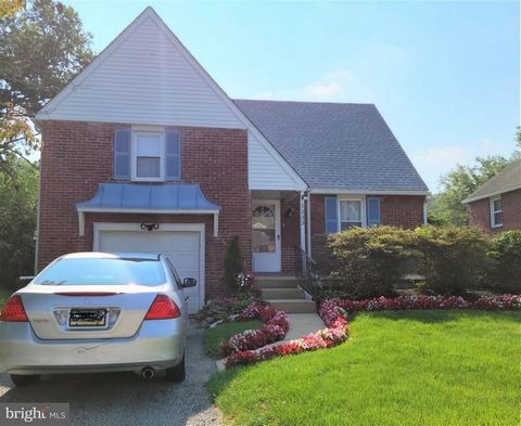A bright and beautiful home for you in Abington township! Enter the large living room which flows into a sizable dining room with chair rail, then to your bright kitchen with a new stainless refrigerator. This open floor plan features hardwood floors...