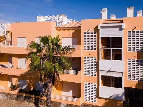 MAKE THE BEST DEAL WITH US Unique T3 apartment with a private terrace of 80m², where you can spend magnificent moments with family and friends, in a condominium with swimming pool in Conceição de Tavira, located in a quiet area, five minutes from the...