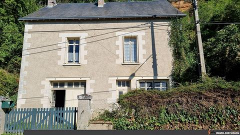 Mandate N°FRP136397 : House approximately 73 m2 including 3 room(s) - 2 bed-rooms. Built in 1924 - Equipement annex : Garden, Garage, Fireplace, Cellar - chauffage : fioul - Expect some renovation - Class Energy F : 338 kWh.m2.year - More information...