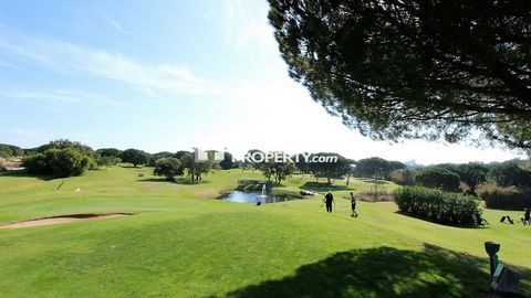 Located in Albufeira. Four bedroom single story detached villa located within one of the best resorts in the Algarve offering a 4 star accommodation in the magnificent area of Albufeira, designed for those seeking tranquility, nature, style and quali...