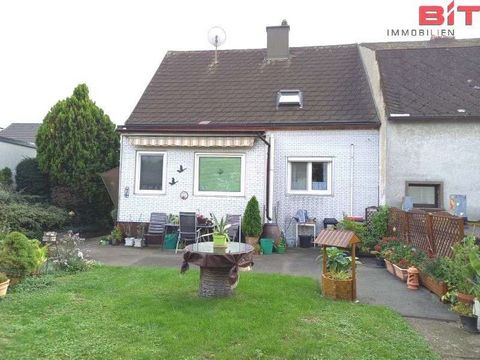 Hainburg/D.- nice detached house! The well-kept, small detached house is located in a very quiet and sunny location and has a complete basement. A side staircase leads to the ground floor, where the kitchen, a bedroom, a living room, an entrance hall...