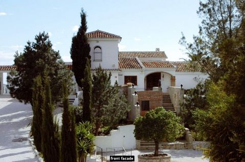 REDUCED FROM 2,600,000 EUR TO 1,295,000 !!! Fantastic finca with separate guest house and 180 º sea views, between Fuengirola and Mijas, with 60,000 m2 of land, 777 m2 built area, plus 115 m2 of covered terraces and many open terraces, 11 bedrooms an...