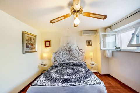 This stunning apartment with a panoramic view of the seas is located in a dominant position on Porto Santo Stefano, one of the most exclusive locations on the Tuscan coast. There is a swimming pool which is shared by other guests as well for fun and ...