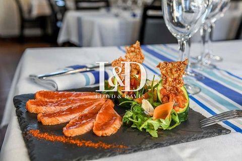 Agréable Brasserie avec licence 4 située en bord de Garonne proposant des plats traditionnels , des crepes salées & sucrées ainsi qu'un large choix de boissons. Une très belle terrasse avec vue splendide sur le Pont Chaban Delmas. Cuisines Francaises...