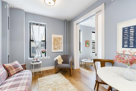 QUICK CLOSE. NO BOARD APPROVAL. MOVE IN BEFORE THE NEW YEAR. Fully renovated sponsor sale, two bedroom, two bathroom with in-unit washer/dryer. No board approval needed. Take the elevator from the marbled lobby and exit onto the large 5th floor landi...