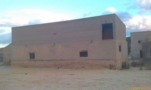 Rustic farm for sale with an area of 2.200m2 and a legal house of 320m2 to 200mts of the San Javier-Santomera highway in Cañadas de San Pedro. Light and water nearby. Ideal for leisure and / or business such as: restaurant, sale, hostel, aging, etc. ...