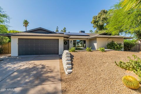 What a remodel in a fabulous location.Exterior was renovated with new paint and front had dated arch removed & is stuccoed for today's look.Total remodel inside features open floor plan, no interior steps, all new cabinetry with quarz counterops. Hig...