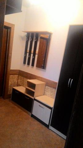 Собственник продаёт 1-комн. квартиру, 40 м2, отличный ремонт. Натяжные потолки. Жилая комната - 18 м2, кухня - 10 м2. С/у совмещённый. Просторная прихожая/холл. Дом 2014 года постройки. История: один собственник (более 3-лет). Квартира находится на 3...