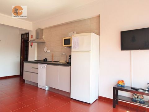 Apartment in Altura, for rent from October to May, situated in an urbanization near supermarket, cafes, restaurants. This estate is constituted by 2 bedrooms, 1 living room, 1 kitchen, 1 WC. Mark your visit, we await you. Energy Rating: C #ref:CS-APT...