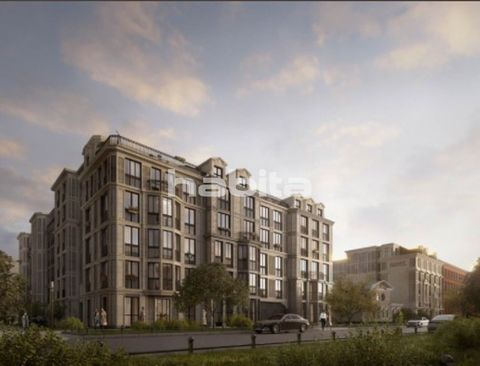 Premium class club house. Only 750 m to the metro station Vasileostrovskaya, 1.5 km to Universitetskaya Embankment, Rumyantsevsky and Akademichesky Gardens, 2.5 km to Strelka and Palace Bridge. For residents and guests in the lobby of the combined gr...