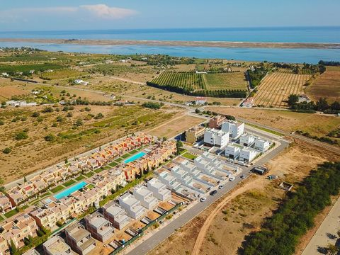 Modern villa under construction located in a quiet development just minutes away from Tavira and Ria Formosa. The villa is composed of 3 bedrooms where 2 of which are en-suite a fully equipped open plan kitchen and a luminous living room with direct ...