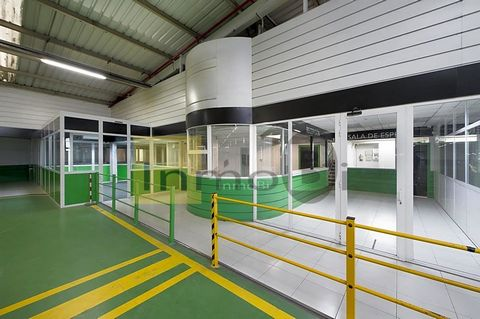 This open space industrial is at Carretera de Goikoa Erandiondo, 48950, Erandio, Vizcaya, is in the district of Asua. It is a bright industrial, built in 1996, that has 4900 m2 of which 4800 m2 are useful and has 2 bathrooms. It is outdoor property w...